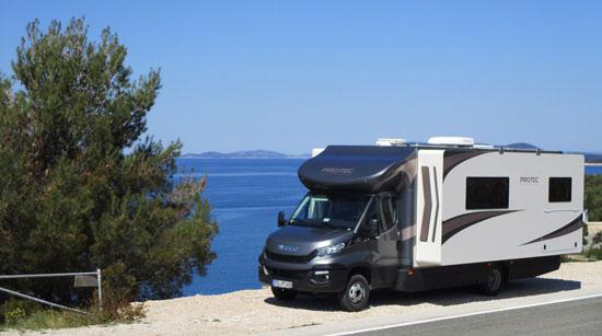 Das Protec Q18 Wohnmobil an der kroatischen Küste